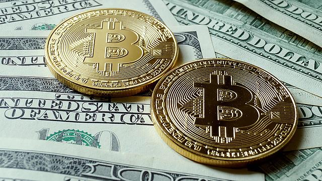 Nem jött be a tőzsdeindítás - bezuhant a bitcoin