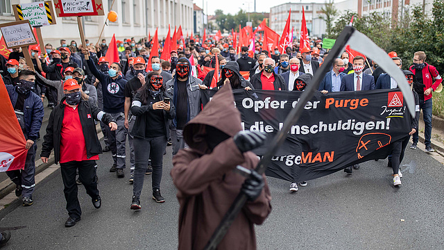 Váratlanul óriási munkaerőhiány jelent meg Magyarországon – rengeteg embert toboroznak