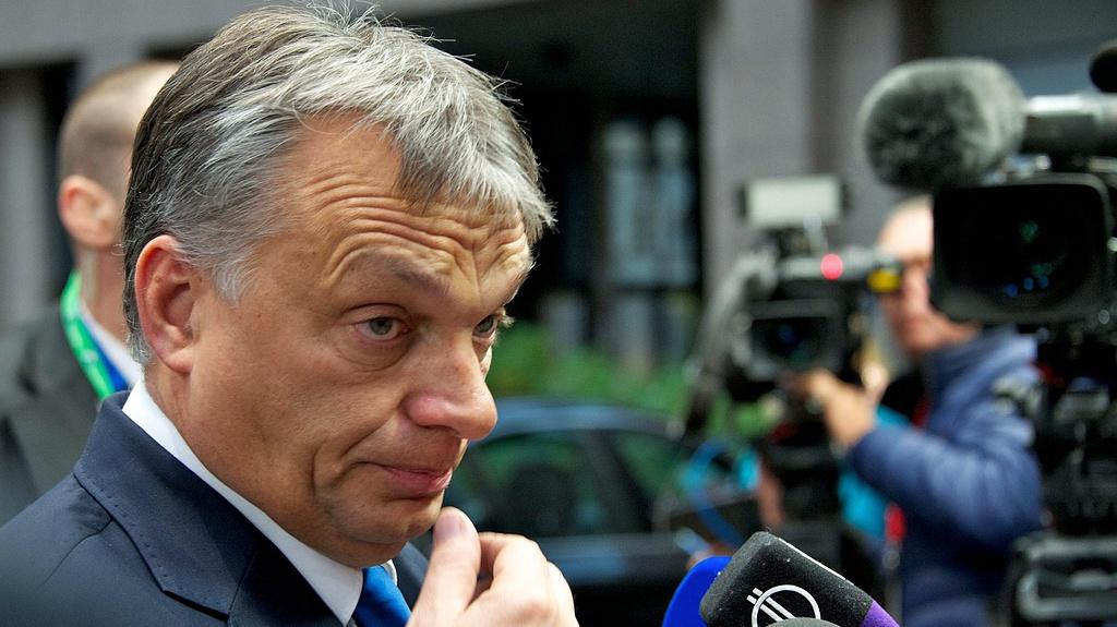 Válságértekezletet hívott össze Orbán