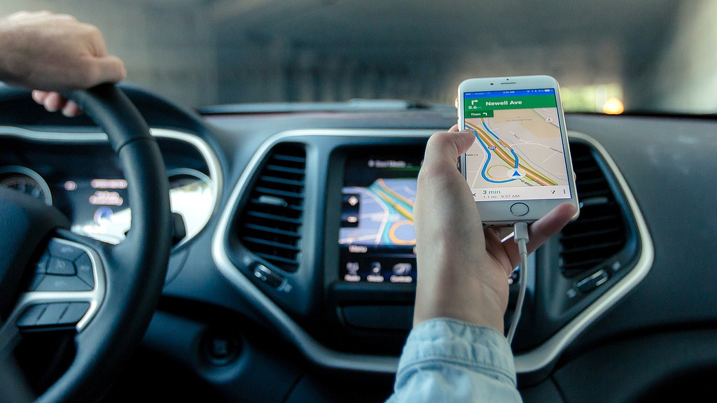 Románia nem tiltotta ki, szabályozza az Uber és társait