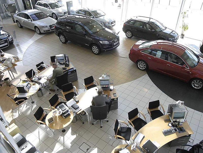 Lázár kampányol - mentenék a devizás autósokat