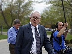Gyorsan fogy Buffett vagyona