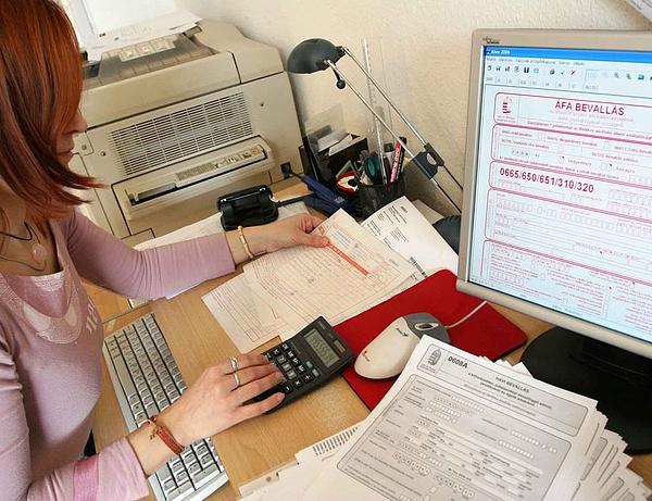Lemaradásban a NAV, késik a segítség az adózóknak