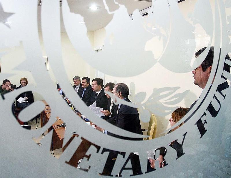 Kongatja a vészharangot az IMF - nagy baj lehet
