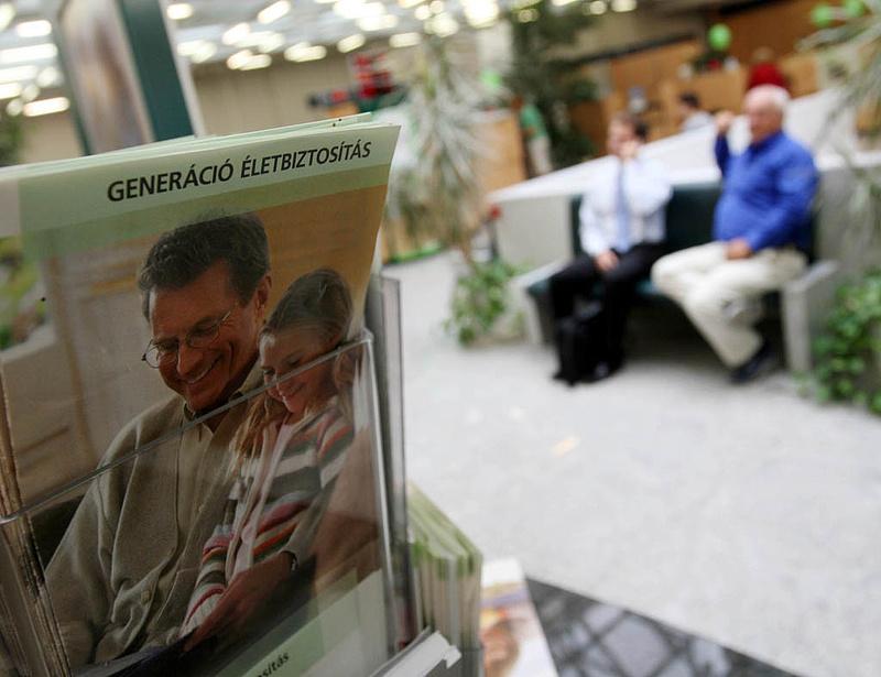 Lejártak a válságban kötött életbiztosítások: zsugorodnak a biztosítók