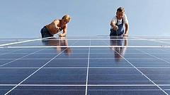 Tízezer kis cég térhet át teljesen napelemes ellátásra