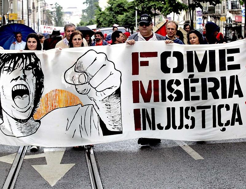 Tarthatatlanná válhat Portugália adóssághelyzete