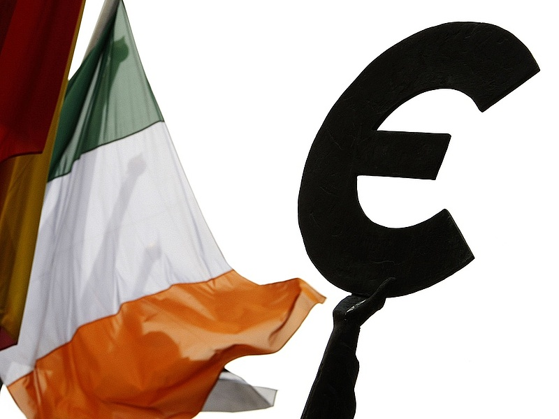 Írország adósságrendezést kér a csatlakozásért