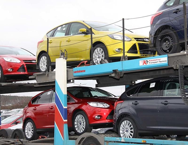Éledezik az európai autóipar