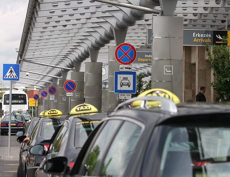 Fennakadások vannak a reptéri taxis szolgáltatásban