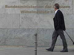 Itt a megállapodás: a német bankok megmentik Görögországot