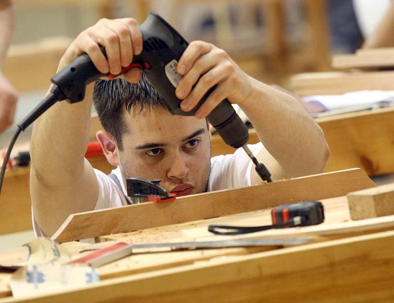 Mi lesz a szakmunkásokkal? Gyökeres fordulatra készül a kormány