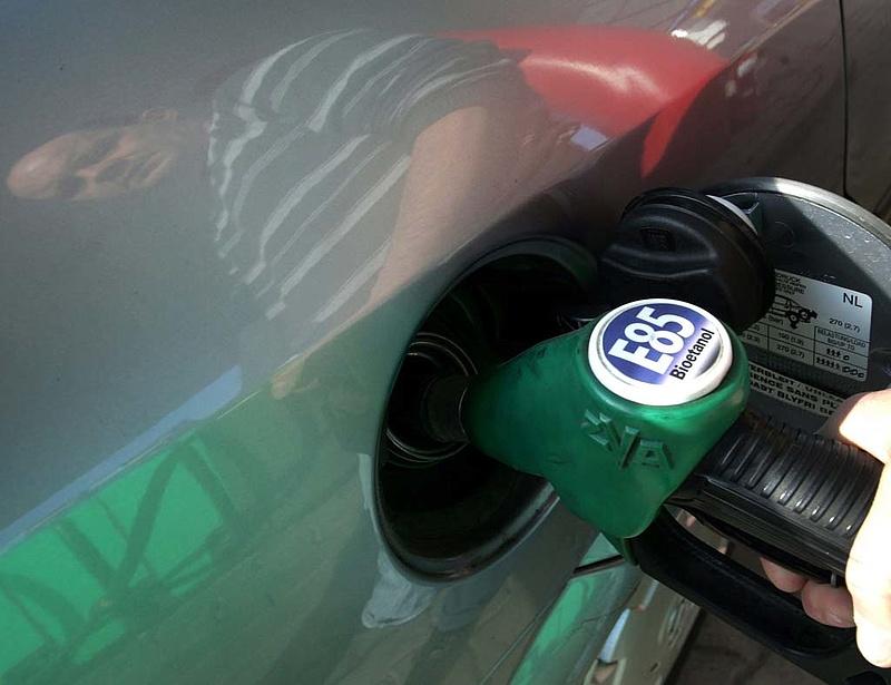 Átadták a legnagyobb hazai bioetanolgyárat