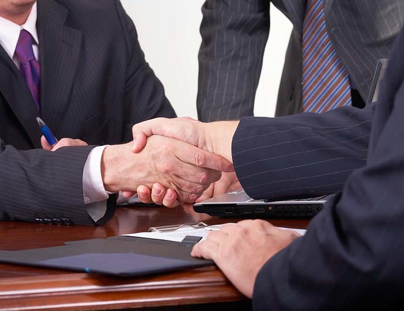 Újabb stratégiai megállapodásokat tervez a kormány