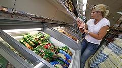 Újabb ételeknek üzen hadat a kormány