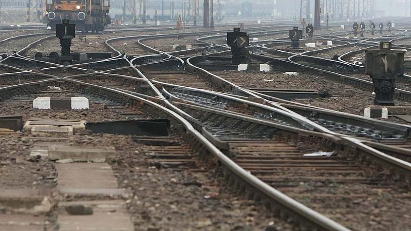 Hív a vasút, vár a MÁV