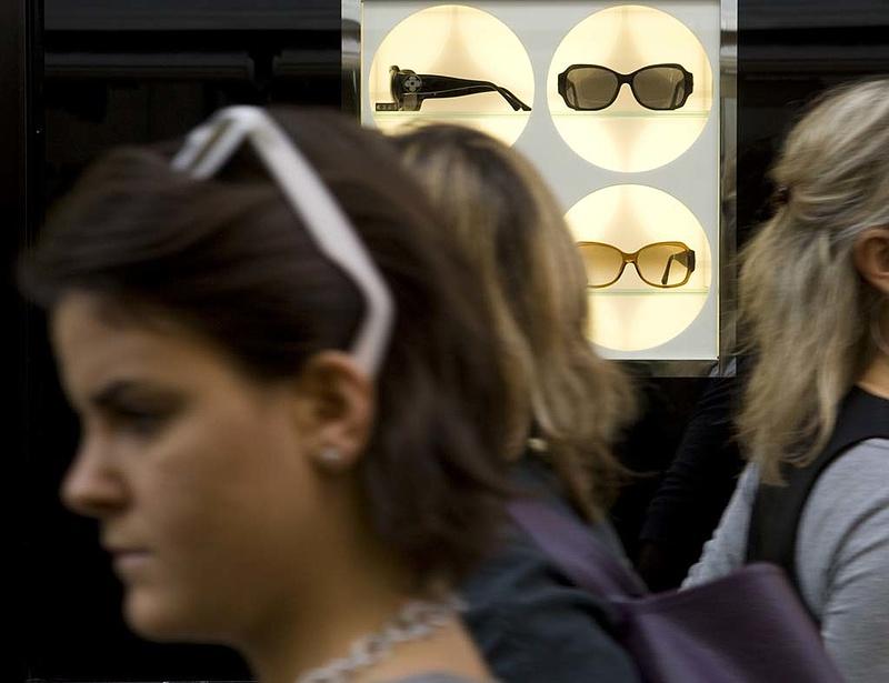 Napszemüvegeket vontak ki a forgalomból