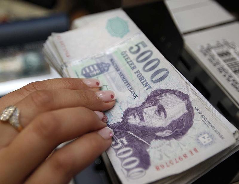 Fölhúzta a forintot az euró