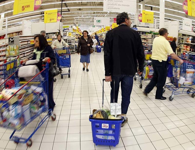 Egyre kevesebb eurót hagynak a boltokban
