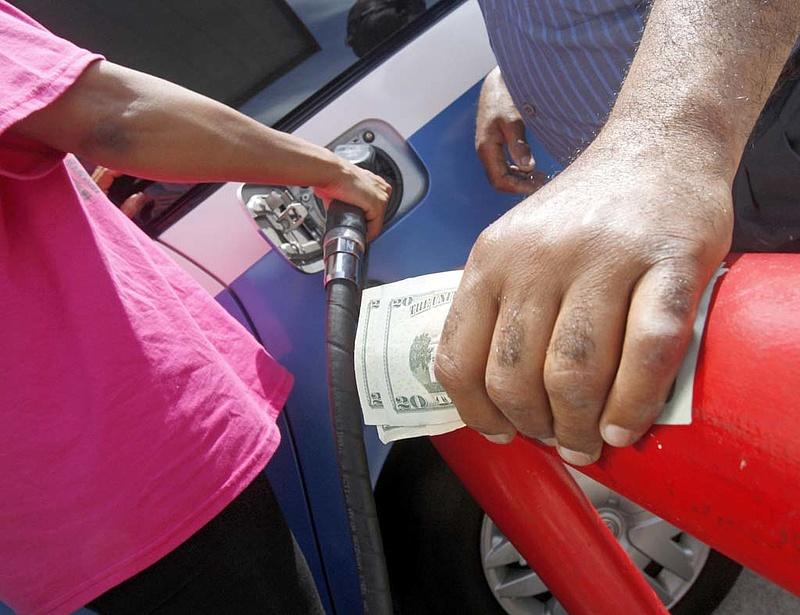 További brutális benzinárcsökkenés jöhet