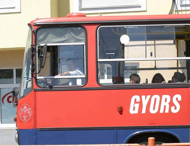 Norvégiába tartanak a buszsofőrök