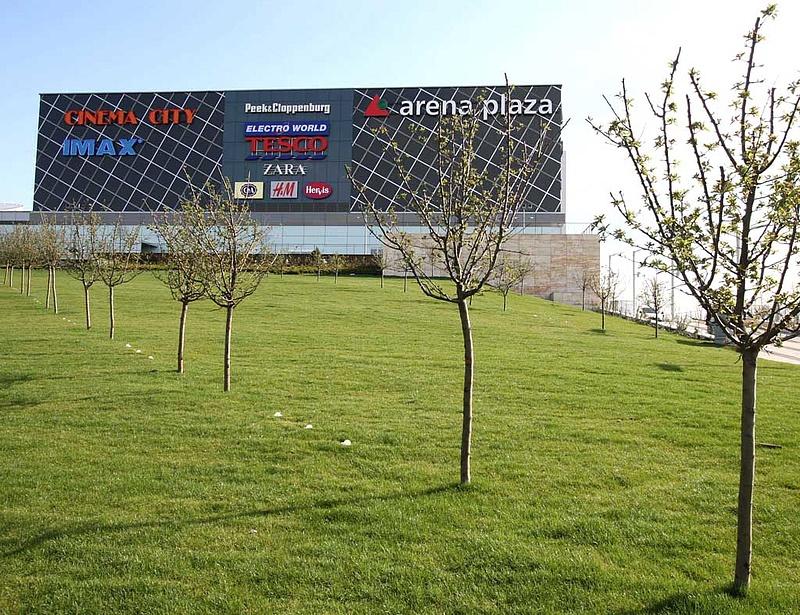 Még nagyobb lesz az Arena Plaza?