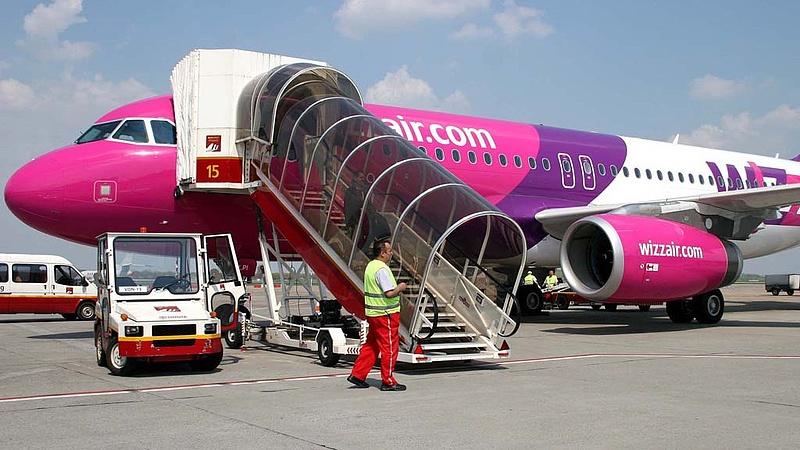 Koronavírus: újabb járattörléseket jelentett be a Wizz Air