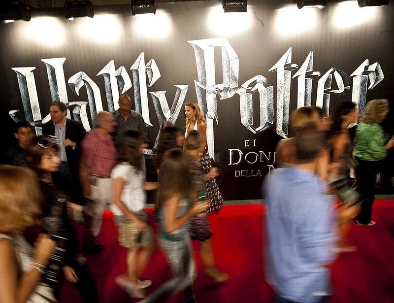Új Harry Potter-könyv jelent meg