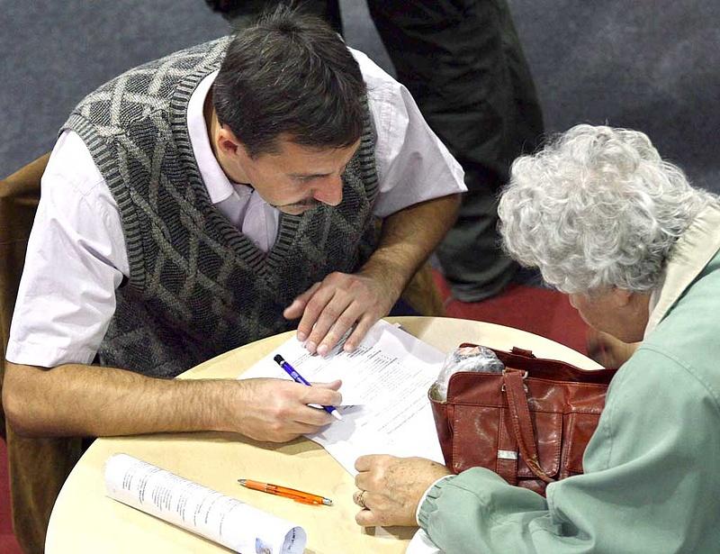 Nagy változás érik a nyugdíjasok kedvezményeinél
