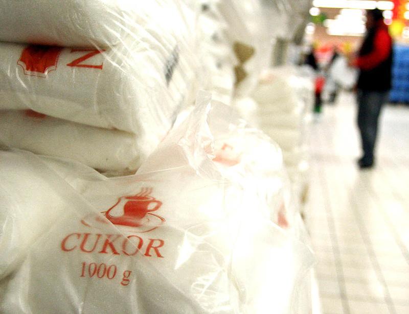 Lecsapott a NAV - milliárdos cukorcsalást találtak