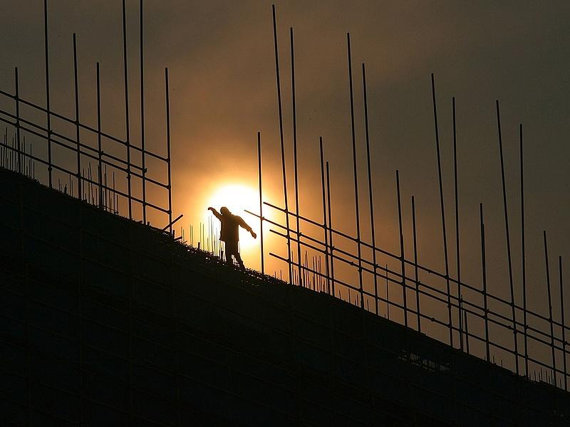 Lakáspiac: elbizonytalanodtak az építők