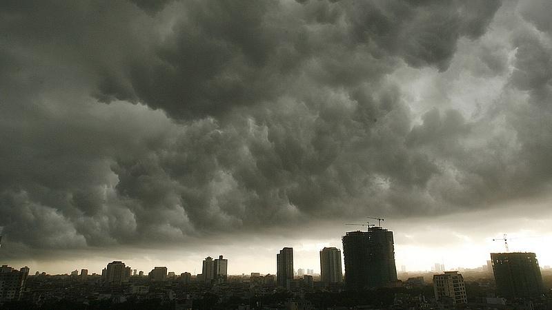 Itt a figyelmeztetés: vihar, felhőszakadás jön