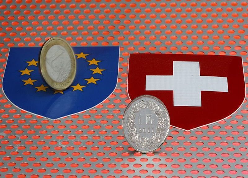 Nincs jó napja a svájci franknak