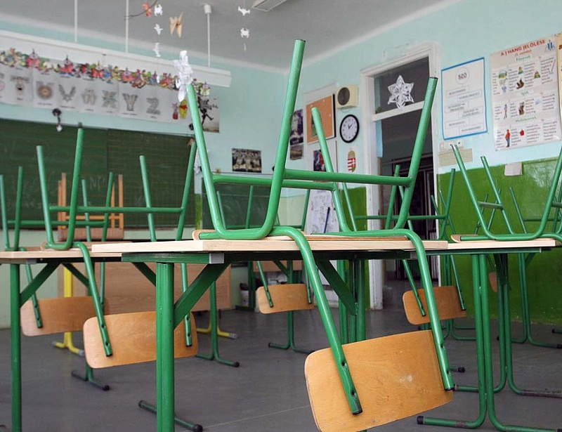 Iskolabezárás: elég lenne csak jövőre pótolni a tananyagot