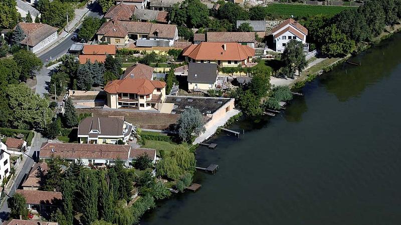 Ennyiért kotorják a Ráckevei Duna-ágat