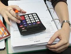Több száz milliós adócsalás miatt emeltek vádat