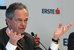 Újra bejelentkezett az Erste a Budapest Bankért