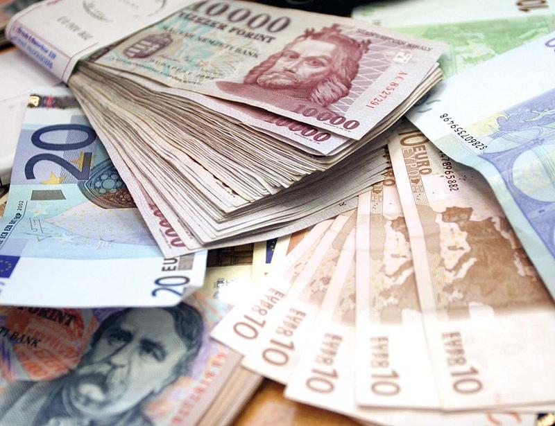 313 forint felett az euró
