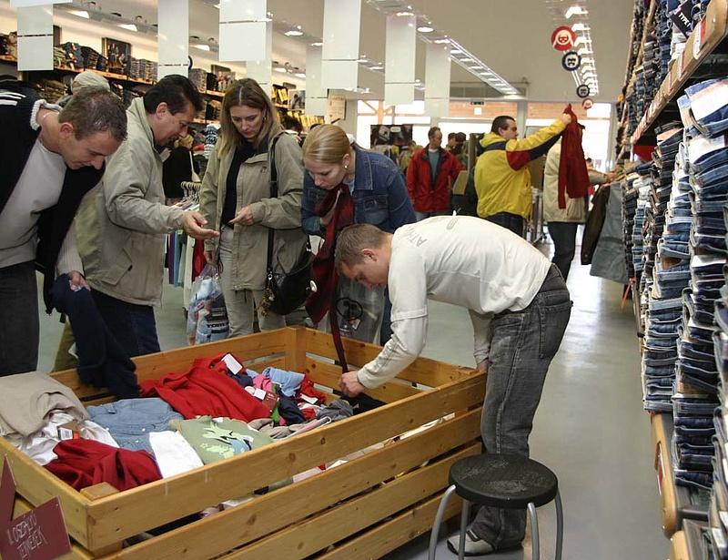 Mikor menjünk féláron vásárolni az üzletekbe?