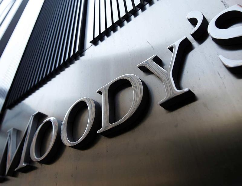 Már az európai mentőalapot is leminősítheti a Moody\'s