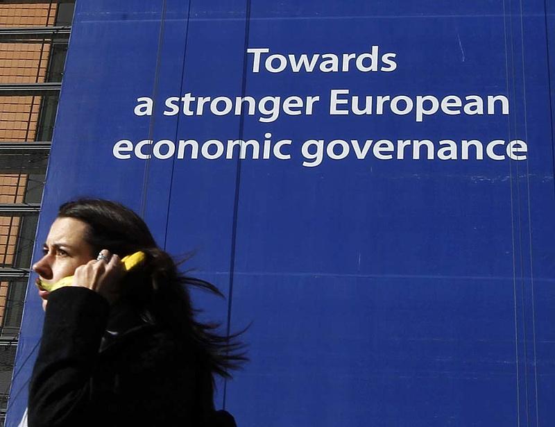 """Csak a \""""fegyelmezetteknek\"""" járhat az EU-s alapból"""