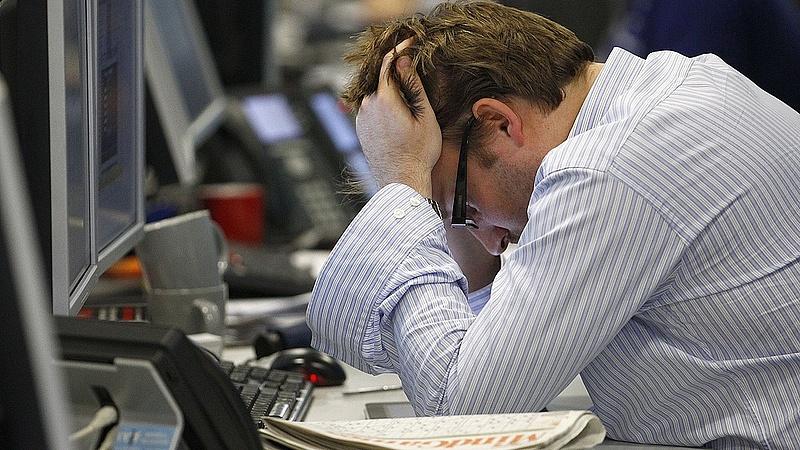 Fitch: ilyen mély globális recesszióra a világháború óta nem volt példa