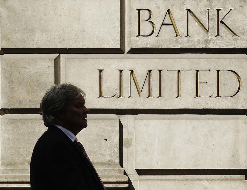 Negatív betéti kamatot is fizethet ezentúl a bank