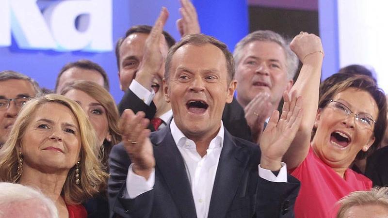 Tusk bevitt egy nagy ütést Kaczynskinak
