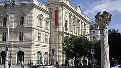 Mészáros Lőrincé lett a Fidesz egykori székháza
