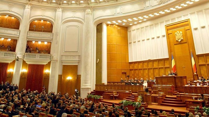 """Odacsapnak a """"kapzsi"""" bankoknak Romániában"""