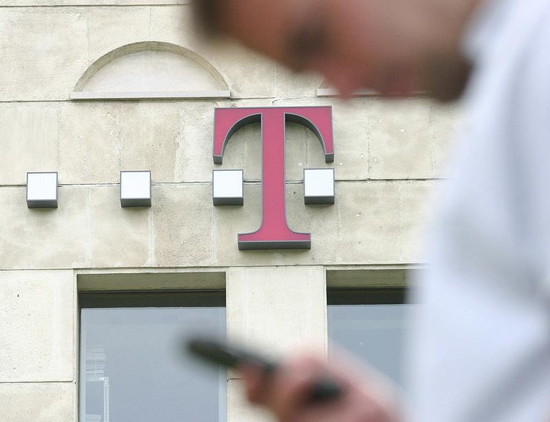 Ringbe száll a Magyar Telekom