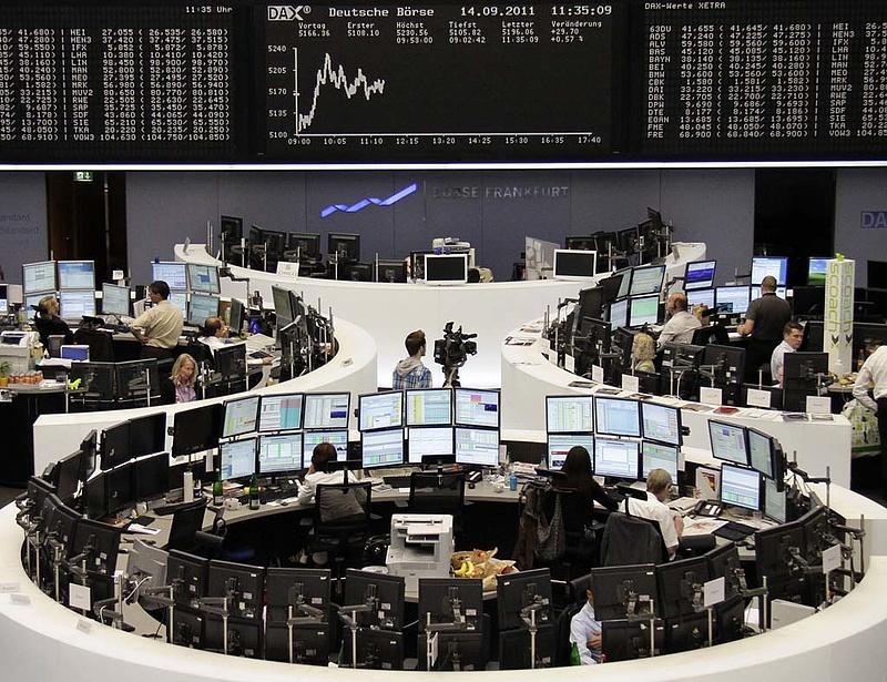 Zuhannak az európai bankok