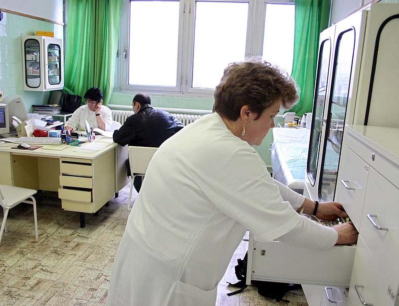 Az orvosok béremelését is adóemelésből fedeznék