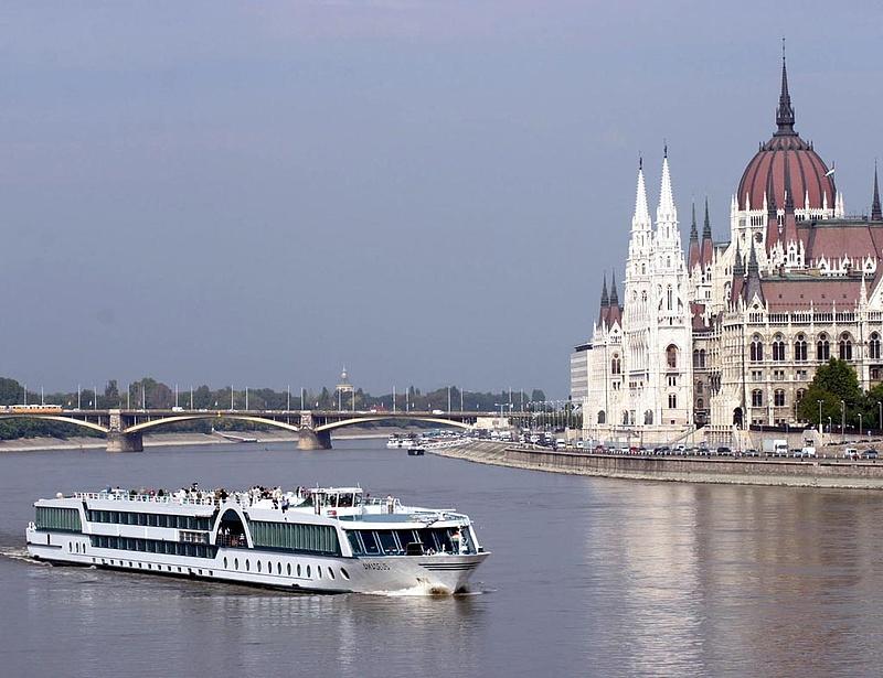 Három járattal éled újra a budapesti hajózás